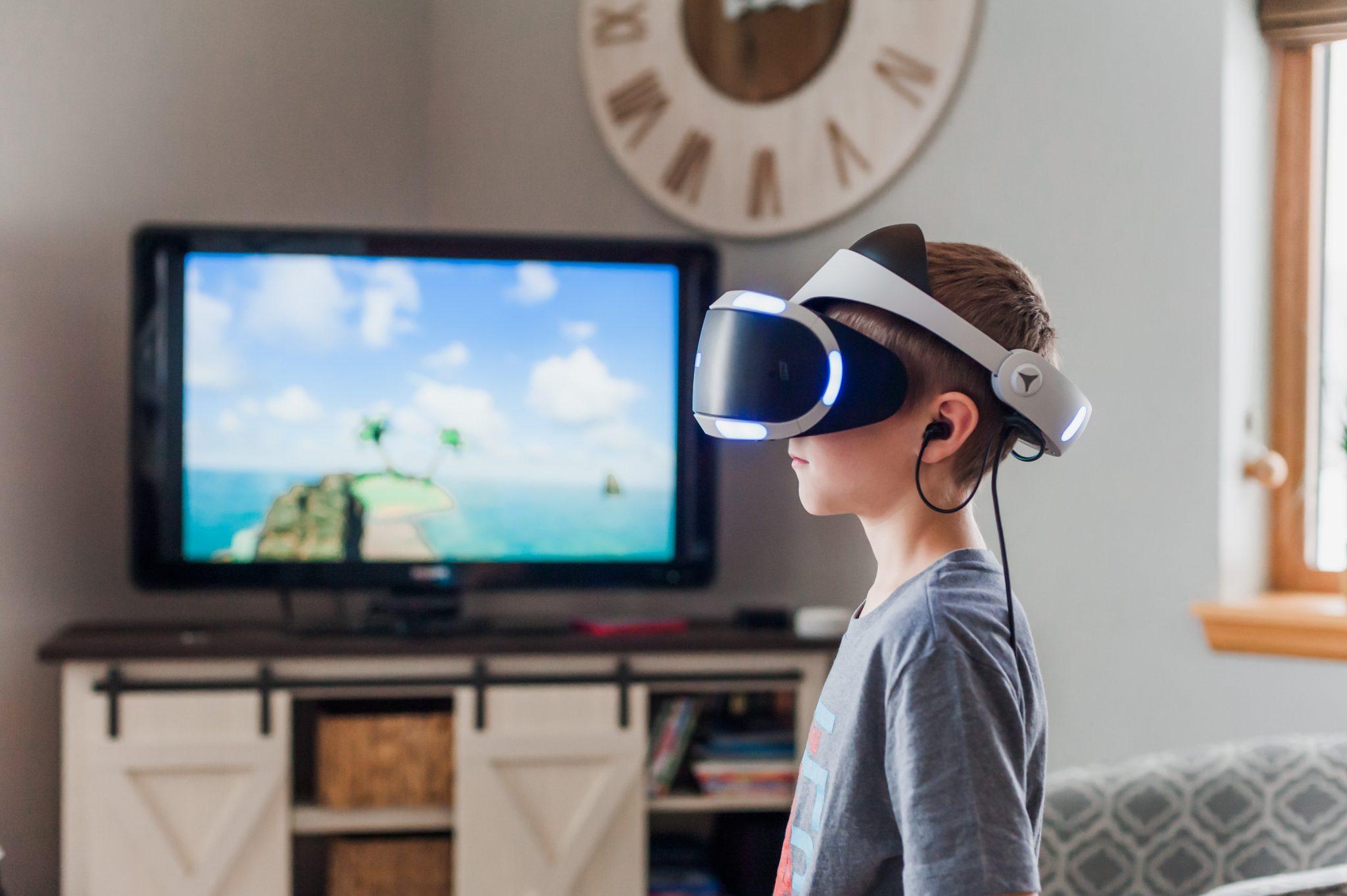 Investigación y desarrollo de nuevos entornos formativos compartidos mediante realidad virtual y 360°